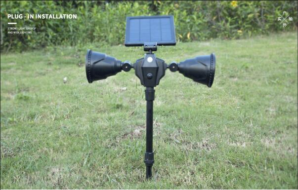 Automatically rotating solar 3W high power lawn light