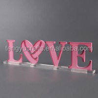 Custom pink laser engraving acrylic heart-shape display rack led love sign with clear base