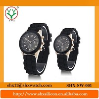 Attractive design suitable for men and women silicone rubber watch