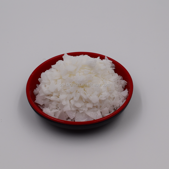 Flaky shape of Hydrogenated RBD Palm Stearin Industrial Grade widely used in candle production