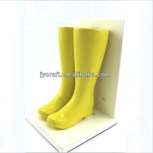 fancy 3D resin yellow color a pair of ladies rain boot statues for fashion creative decorative display in gifts and crafts