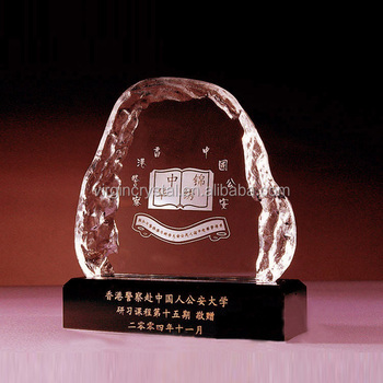 Creative design 3d laser crystal trophy and award with black base for honour souvenir