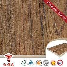 E1 and E2 grade melamine laminated marine plywood 18mm in china