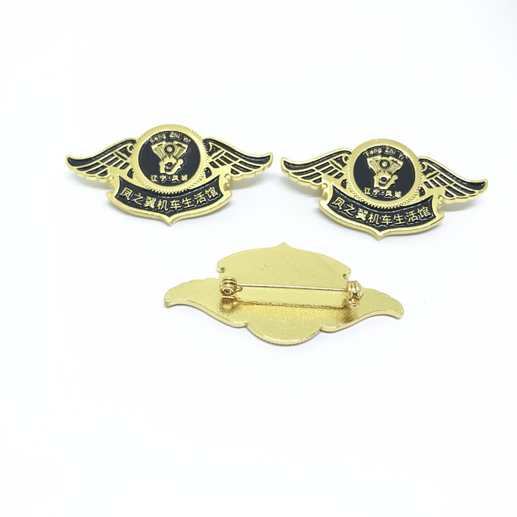 Specialized soft enamel metal wing ship lapel pins badges for men