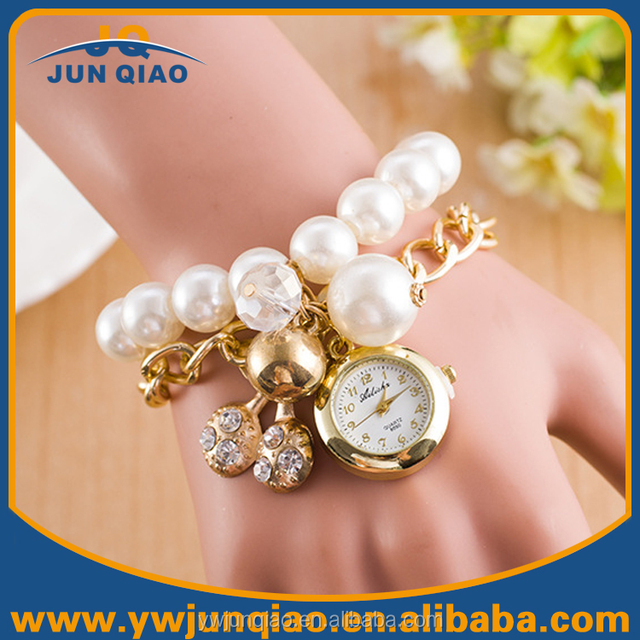 New Beautiful Pearl Ladies Watches White Diamond Watch For Women With Chrams Pendants