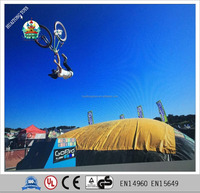 Hot sale big ai bag BMX biking and skiing giant inflatable bag air cushion for extreme sport game