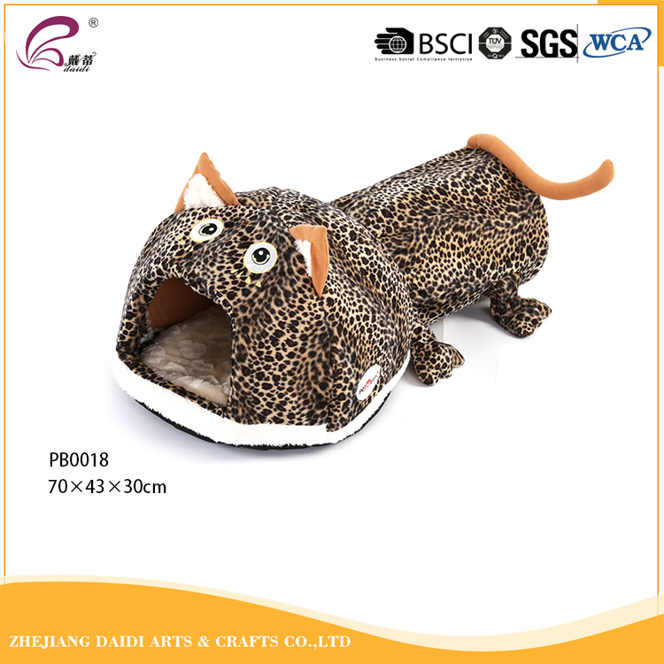 Softest pet shop products cat house plastic toy