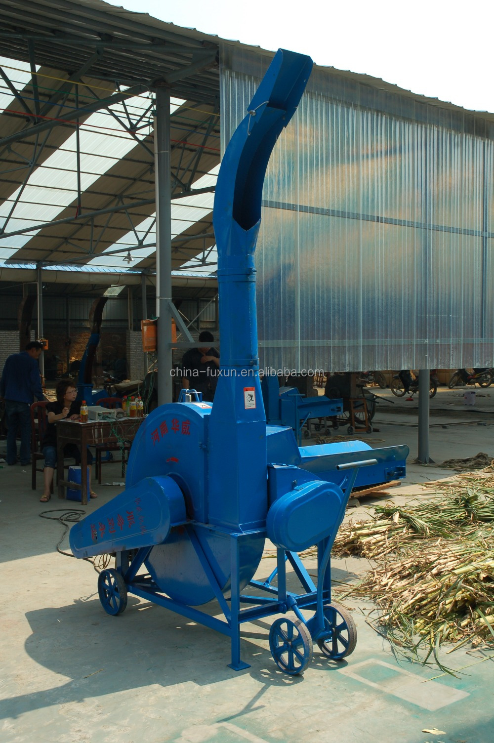 Professional grass cutter/grass chopper machine for animals feed