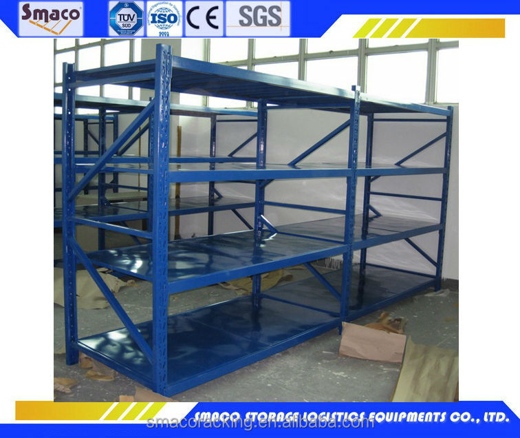 Highly efficiently managed warehouse racking system