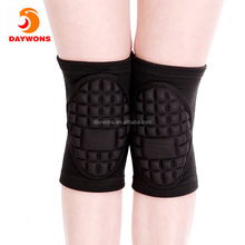 Daywons Knee Support-Open-Patella Stabilizer with Adjustable Strapping & Extra-Thick Breathable Sleeve