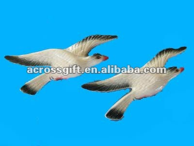 Flying ceramic seagulls for home decoration
