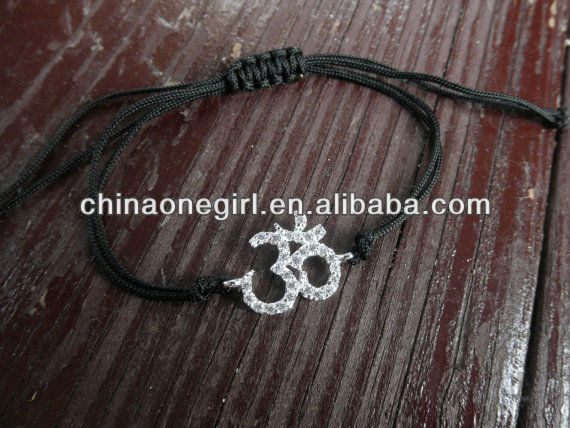 Fashion Ohm symbol bracelet