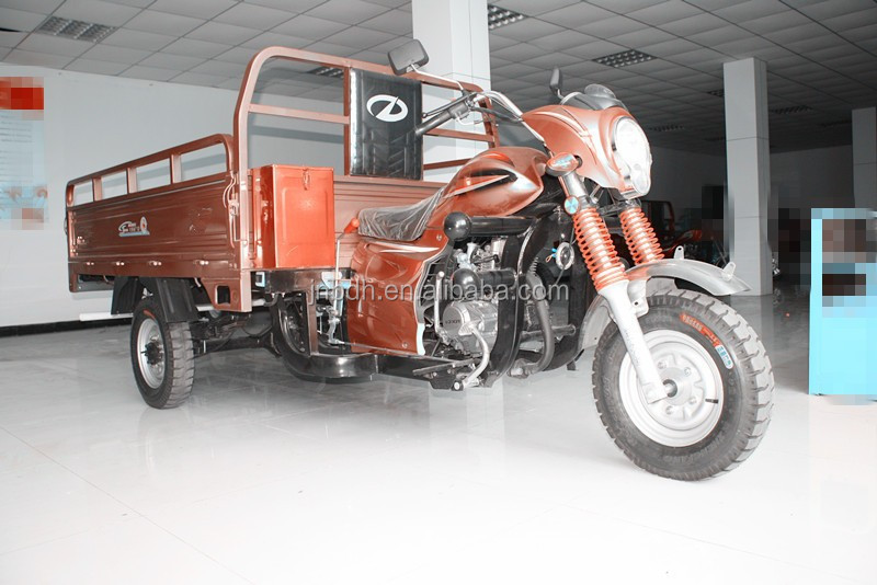 200CC Cargo Three Wheel Motorcycles in South American market