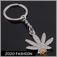 New Types of Keychain Canada Souvenir Crystal Leaves shaped Gift Keychains