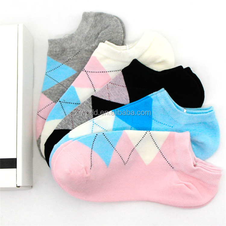 World Hot selling cheap quick dry cotton colorful knitted socks