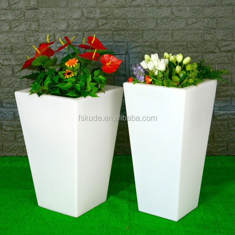 Wholesale large waterproof flower pot for garden for hotel decoration outdoor led flowre pot