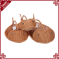 Newest fish shape environmental food display wholesale wicker baskets