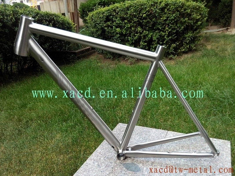 Chinese titanium mtb bike frame mountain bike frame with inner line routing engraved logo bicycle frame