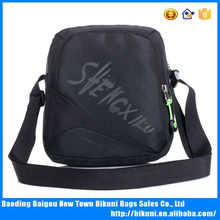China sells popular outdoor colorful nylon messenger bag walking shoulder bag sport bags