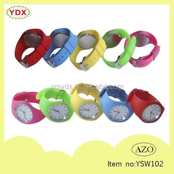 Sport silicone quartz analog wrist watch with 100% silicone strap