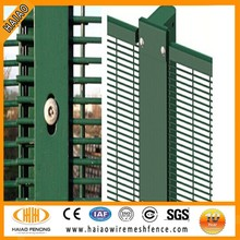 Alibaba China professional black welded wire mesh fence/heavy gauge welded wire fence /black welded panel