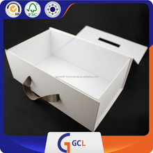 Newest Discount Design Simple White Box , Magnet Flat Folding Box with Ribbon Handle