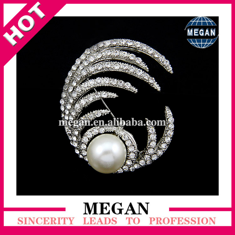 High quality vintage rhinestone natural pearls fashion brooch gold pearl brooches