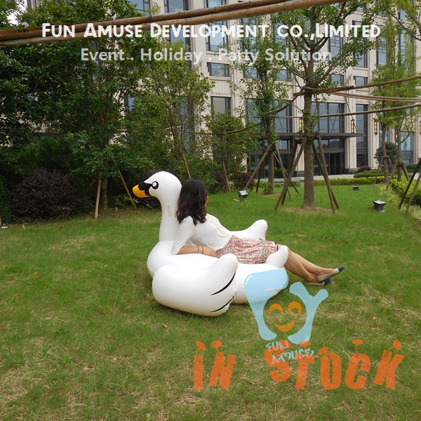 Water fun adult pool toys inflatable swan swimming pool floaties