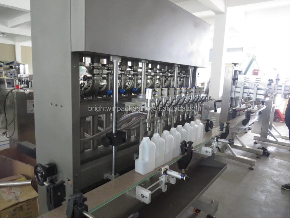 Automatic detergent filling machine in bottle