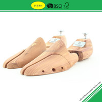 LM003G Adjustable Wood Cedar Shoe Tree Logo With Metal Plates Brand