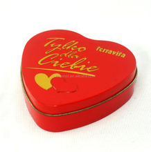 festival eye-catching heart shaped candy tin can