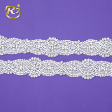 TL-162 Hot Selling Bling Bling Decorative 3d Sewing Applique Wholesale Rhinestone Trim