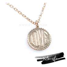 Economic Excellent material initial necklace