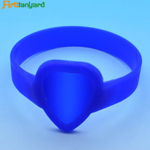 Cheap silicone bracelet no minimum free shipping custom silicone wristband