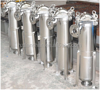 Honey filtration equipment with bag filter housing