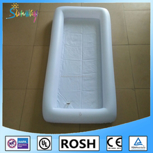 Custom Adults White Color Inflatable Ice Bar Water Float For Beach Decoration