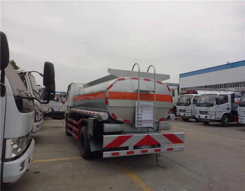 RHD 3000 gallon small fuel tank trucks mini petrol station