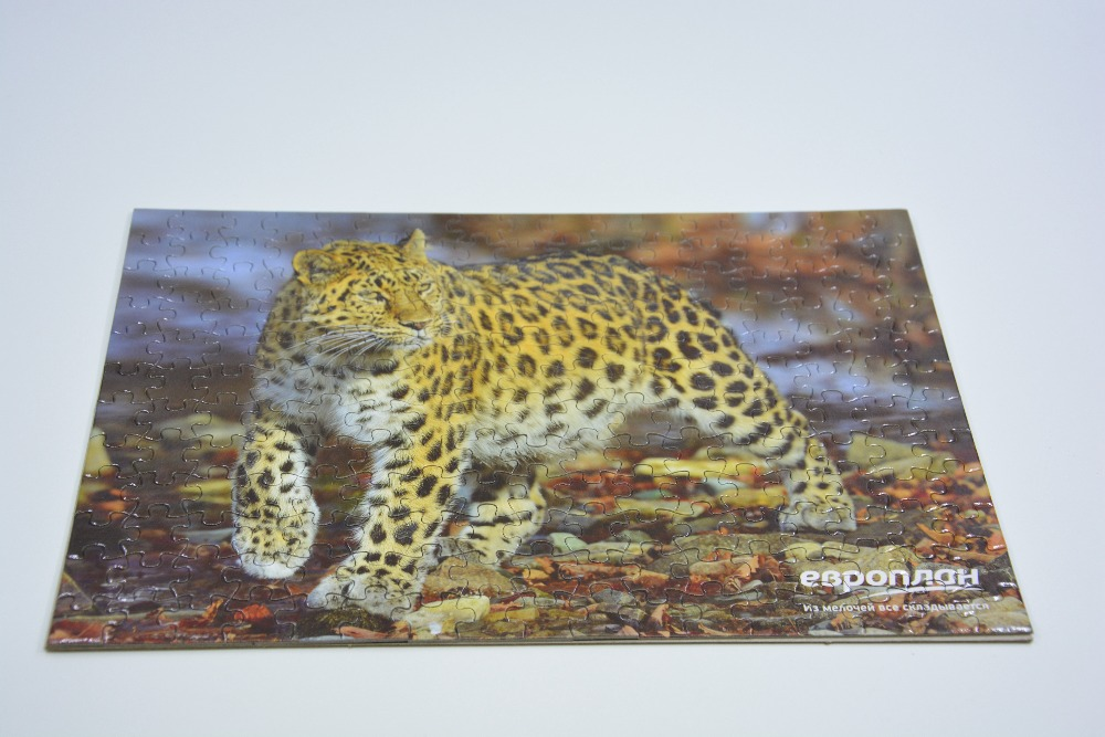 Chinese factory custom wholesale jigsaw puzzles