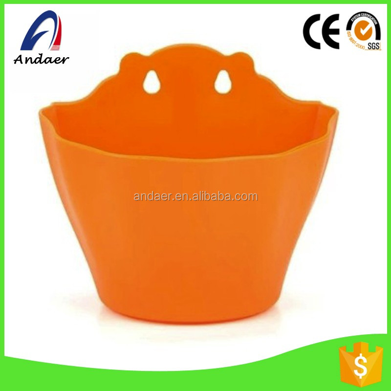 Good price,Innovative cartoon flower pots with water-isolated board against wall
