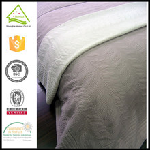 Factory price thin bedspread with elastic, waterproof bedspread