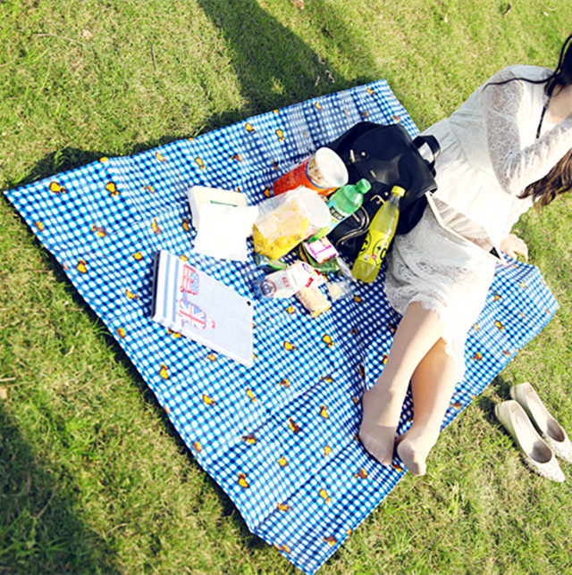 Reusable foldable large monkey laminated pp woven picnic mat