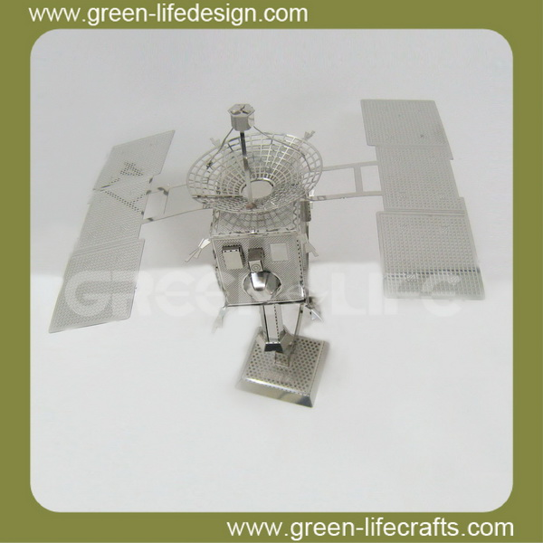 Metal airline boy puzzle toy