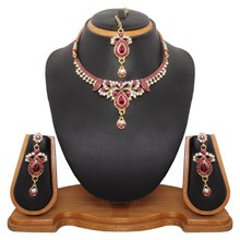 Triveni Adorn Wonderful Necklace Set 8315