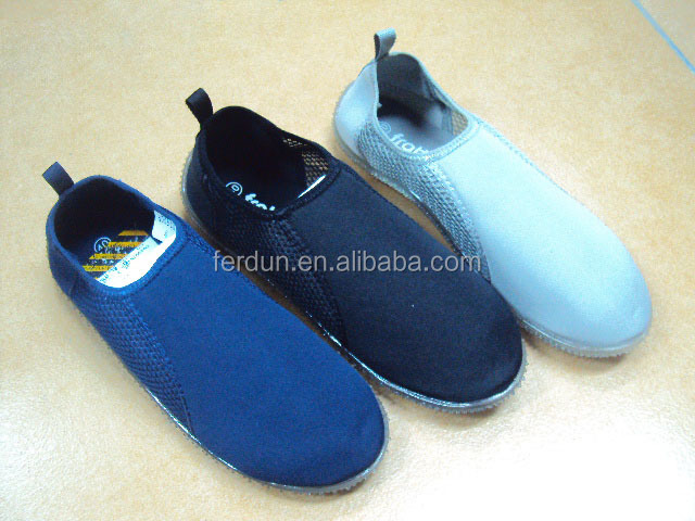 Wholesale white/black/ navy blue men aqua shoes, wanter shoes