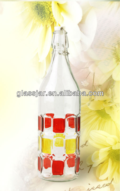 1L glass water bottle with swing top cap
