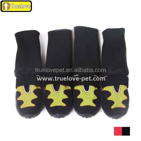 Protective waterproof dog boots with rubber sole