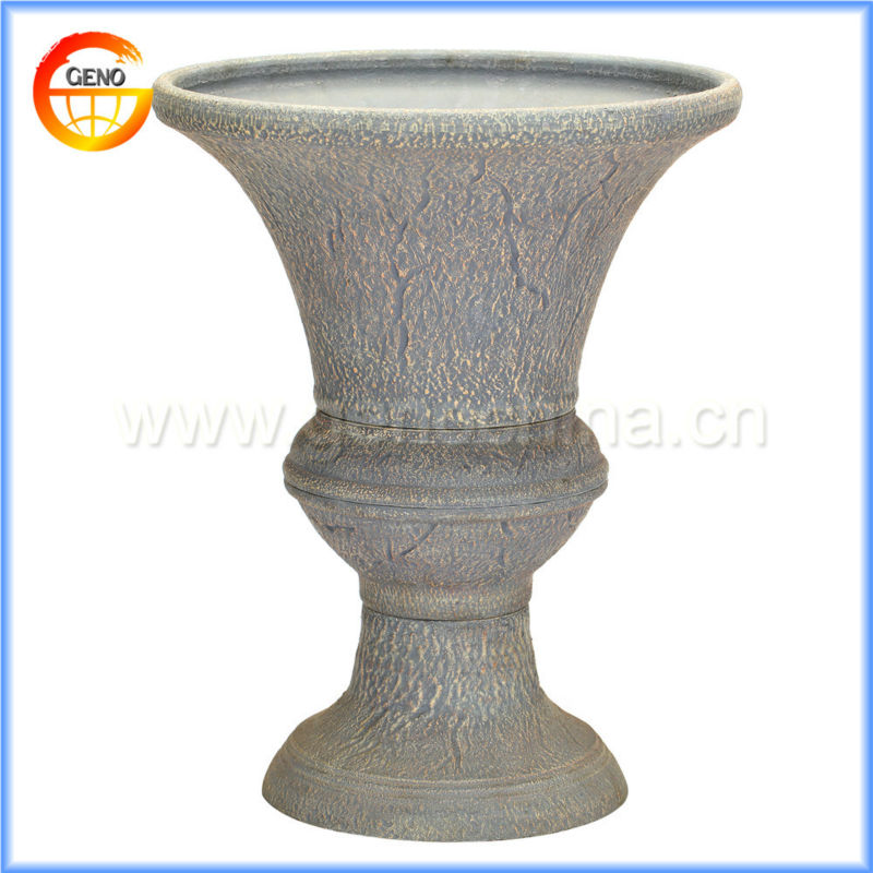 antique pots and urns for outdoor decoration