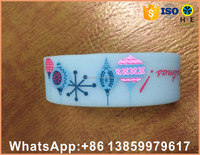 Custom New year CHRISTMAS small silicone wristband bracelet circle ring for customer christmas gifts with your logo
