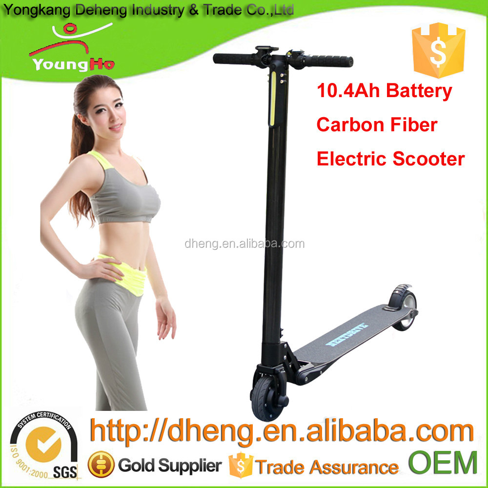10.4Ah Battery Electric Scooter with Carbon Fiber Material of 300W Power, High Torque Motor