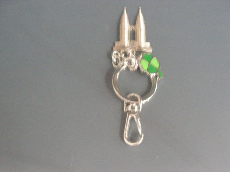 Twin Tower Key Chains With Green Flowers, 10 units